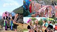 Trang phục phụ nữ dân tộc thiểu số ở miền Tây xứ Nghệ có gì khác nhau?