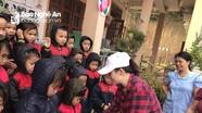 Trao quà tết cho học sinh và người nghèo ở Quỳ Châu, Thái Hòa