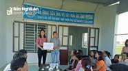 Trao tiền xây dựng mái ấm tình thương cho phụ nữ nghèo Quỳnh Lưu 