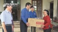 Trao quà cho học sinh và gia đình chính sách ở Yên Thành và Tân Kỳ