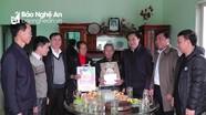 Hoạt động trao quà cho học sinh và gia đình chính sách ở các địa phương