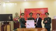 Các đồng chí lãnh đạo tỉnh chúc Tết và trao quà tại Quỳnh Lưu và Quỳ Hợp