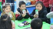 Nhiều phụ huynh muốn con được tăng thêm khẩu phần sữa học đường