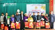 Trao quà Tết cho học sinh và người nghèo miền núi Nghệ An