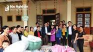 Ban Tuyên giáo Tỉnh ủy trao quà hỗ trợ khắc phục hậu quả lũ lụt ở Thanh Chương