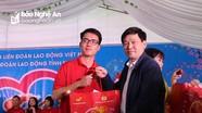 Chương trình 'Tết sum vầy – Kết nối yêu thương' đến với công nhân lao động huyện Quỳnh Lưu và Quỳ Hợp
