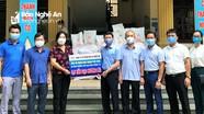 Đảng ủy Khối Doanh nghiệp tặng quà hỗ trợ phòng, chống dịch Covid-19