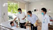 Sở Giáo dục và Đào tạo Nghệ An thăm hỏi học sinh bị ong đốt