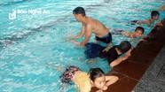 Yên Thành mở lớp dạy bơi miễn phí cho trẻ em nghèo
