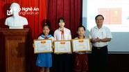 Trao 55 giải cuộc thi viết về Phượng Hoàng Trung Đô Vinh - Thành phố đô thị loại 1