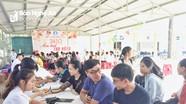 Hơn 700 sinh viên Đại học Y khoa Vinh tham gia ngày hội hiến máu