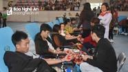 500 sinh viên Đại học Vinh tham gia hiến máu