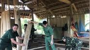 Bộ đội biên phòng Nghệ An giúp dân khắc phục hậu quả lốc xoáy