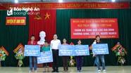 Chủ tịch Ủy ban Trung ương MTTQ Việt Nam tặng quà và hỗ trợ xây 5 nhà tình nghĩa