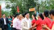 Phó Bí thư Tỉnh ủy Nguyễn Văn Thông chung vui ngày hội Đại đoàn kết tại Đô Lương