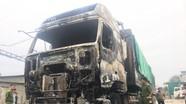 Cháy xe ô tô đầu kéo trên 1 tỷ đồng