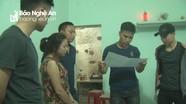 Nghệ An: Bắt nữ tài xế taxi giấu ma túy khắp nơi trong nhà