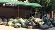Bắt vụ vận chuyển lô quần áo nhập lậu do nước ngoài sản xuất tại Thành phố Vinh