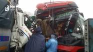 Toàn cảnh vụ tai nạn xe tải đấu đầu xe khách trên đường tránh Vinh, phụ xe tử vong trong cabin