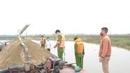 Nhiều đối tượng lợi dụng cách ly xã hội khai thác cát, sỏi trái phép trên sông Lam