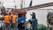 Bắt giữ 3 tàu cá khai thác thủy sản trái phép trên vùng biển Cửa Lò