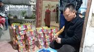 Nghệ An: Cặp anh em họ bị tóm khi đang 'thủ' lượng lớn pháo và ma túy