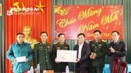 Chủ tịch UBND tỉnh chúc tết đơn vị LLVT, gia đình chính sách, hộ nghèo huyện Quế Phong
