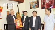 Phó Bí thư Thường trực Tỉnh ủy chúc Tết văn nghệ sỹ đầu Xuân