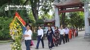 Ban Tuyên giáo Tỉnh ủy dâng hoa tưởng niệm Chủ tịch Hồ Chí Minh