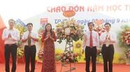 Khai giảng năm học thứ 100 tại Trường THPT Huỳnh Thúc Kháng