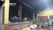 Hiện trường tan hoang sau vụ cháy khách sạn ở TP Vinh