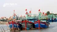 Vì sao hàng trăm tàu cá ở Nghệ An nằm bờ giữa mùa đánh bắt cao điểm?