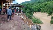 Di dời khẩn cấp 4 nhà dân bị sạt lở nghiêm trọng ở Kỳ Sơn