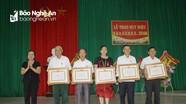 Trao Huy hiệu Đảng tại Nghi Lộc, Tân Kỳ