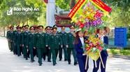 Bộ CHQS Nghệ An dâng hương tại Khu di tích Kim Liên và Nghĩa trang liệt sỹ TP Vinh