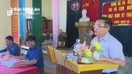 Trưởng ban Dân vận Tỉnh ủy dự sinh hoạt Chi bộ xóm Nước Xanh ở Tân Kỳ