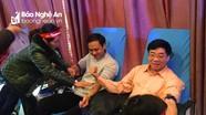 Gần 2000 người ở Nghệ An tham gia Lễ hội chủ nhật đỏ - hiến máu cứu người
