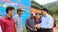 Phó Bí thư Tỉnh ủy Nguyễn Văn Thông dự ngày hội Đại đoàn kết với đồng bào ở Tương Dương