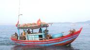 Nghệ An:  Xử phạt 'nóng' ngay trên biển 4 tàu cá vi phạm quy định đánh bắt thủy hải sản