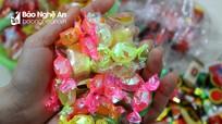 Ẩn họa từ kẹo cân, kẹo yến bán Tết