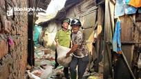 Tiểu thương chợ Vinh lại trắng tay vì hàng hóa tiền tỷ trôi theo mưa lụt