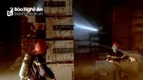 Kho hàng bốc cháy trong đêm tại TP Vinh