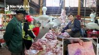 Nghệ An: Giá thịt lợn 'neo' mức cao, người tiêu dùng phải rất cân nhắc khi mua