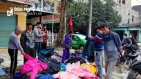 Hàng 'giảm giá sốc' xuất hiện trên nhiều tuyến đường ở Nghệ An