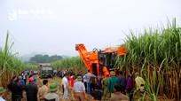 Công ty CP Mía đường Sông Con đưa máy 'khủng' vào sản xuất mía