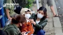 Nghệ An: Ngày đầu chấp hành quy định đeo khẩu trang nơi công cộng