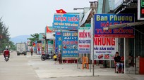 Quán hàng ven biển Nghệ An 'nín thở' chờ khách du lịch