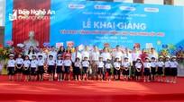Bí thư Thành ủy Vinh dự lễ khai giảng Trường Tiểu học Lê Mao