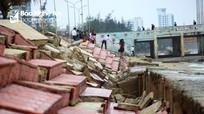 Kè biển tại thị xã Cửa Lò tan hoang sau mưa bão