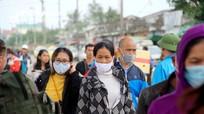 Người dân Nghệ An chấp hành việc đeo khẩu trang nơi công cộng theo Nghị định 117